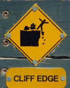 cliff02